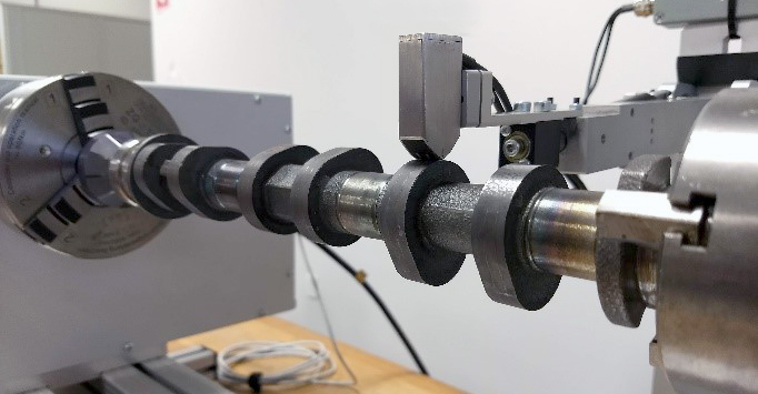 Barkhausen noise measurement on camshaft lobe with CamScan 100